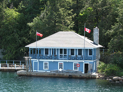 Canada Ontario Photos :: 1000 Islands :: Ontario. One of Cottages on the 1000 Islands