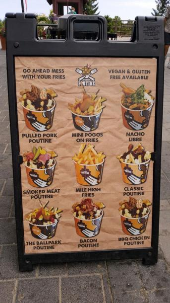 Фотографии Онтарио, Канада :: Синяя гора :: Кафе «Poutine - Mess With Your Fries». Голубая гора