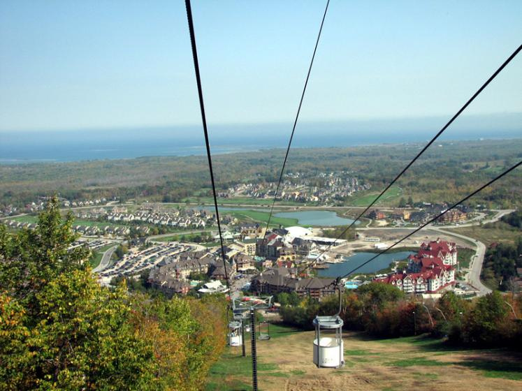 Canada Ontario Photos :: Blue Mountain :: Village of Blue Mountain - view from the lift