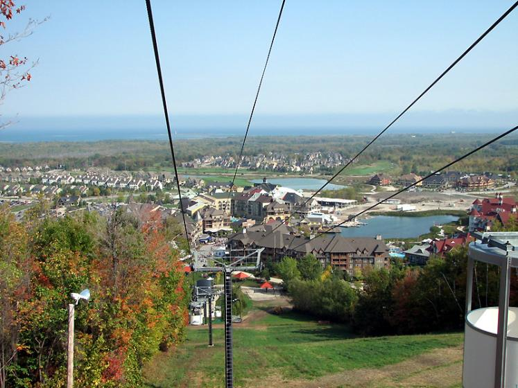 Canada Ontario Photos :: Blue Mountain :: Blue Mountain - view from the lift