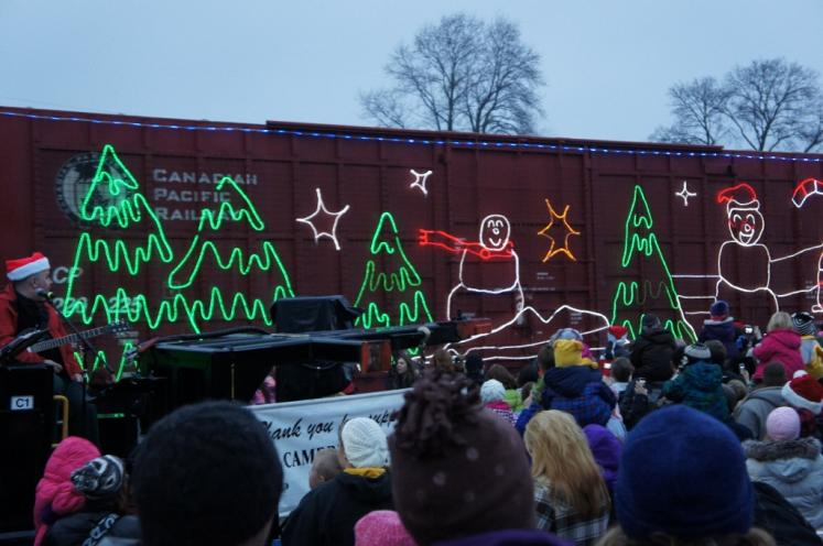 Canada Ontario Photos :: Cambridge :: Canadian Pacific Xmas Train stops in Cambridge