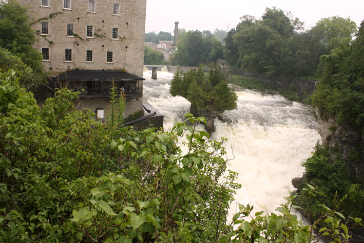 Canada Ontario Photos :: Elora :: Elora Mill Inn and Grand River