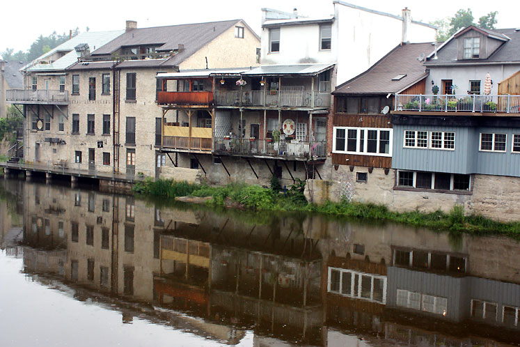 World Travel Photos :: Reflections :: Ontario. Elora. Houses along the river