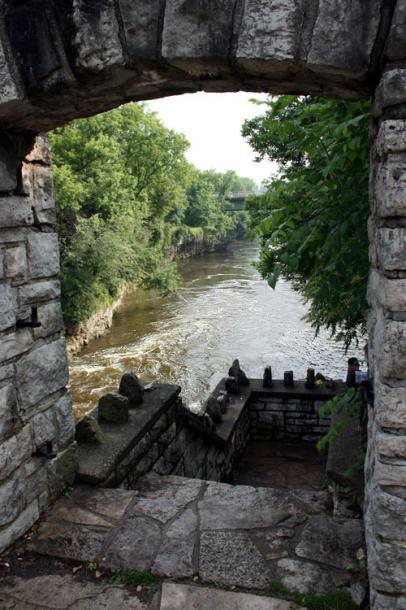 Canada Ontario Photos :: Fergus :: Fergus - a view on the river