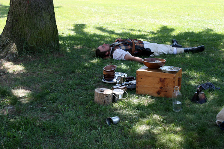 Canada Ontario Photos :: Fort Erie :: Fort Erie. A rest before the mock battle