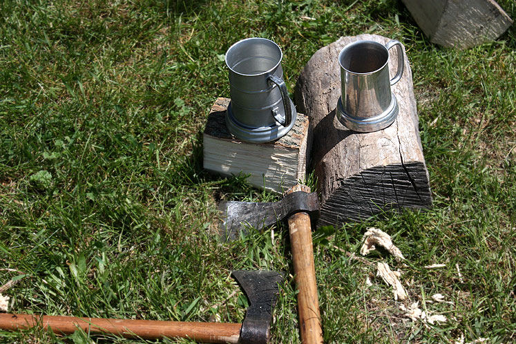 Canada Ontario Photos :: Fort Erie :: Fort Erie. Firewood & mugs