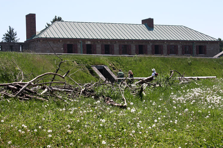 Canada Ontario Photos :: Fort Erie :: Inside Historic Fort Erie