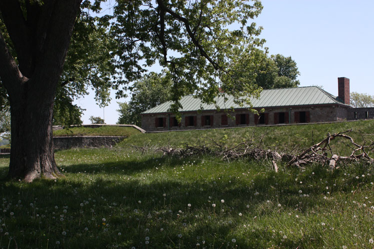 Canada Ontario Photos :: Fort Erie :: Soldiers barrack in Historic Fort Erie
