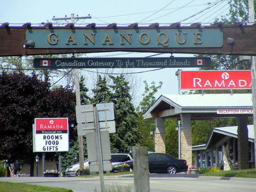 Canada Ontario Photos :: Ron Hadas :: Gananoque´s enterance