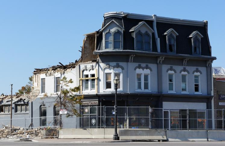 Canada Ontario Photos :: Goderich :: Goderich damaged by Tornado Aug.22 still remain unfixed by Oct. 9
