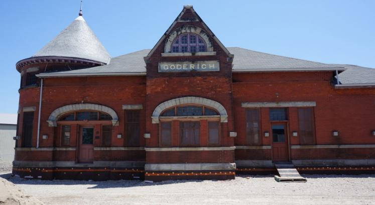 Canada Ontario Photos :: Goderich :: Old Railroad Museum moved to become a restaurant in Goderich