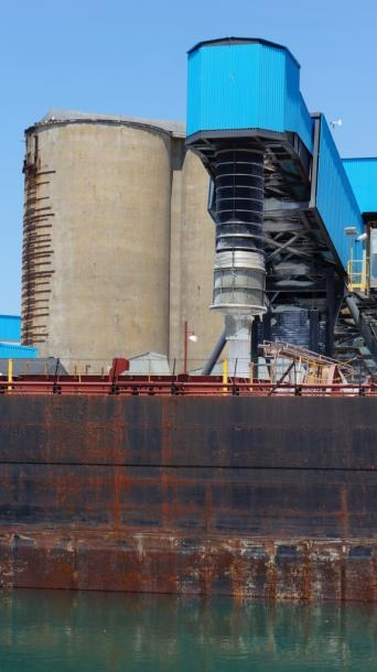 Canada Ontario Photos :: Goderich :: Salt being loaded into Algoma Navigator Freighter in Goderich Harbour