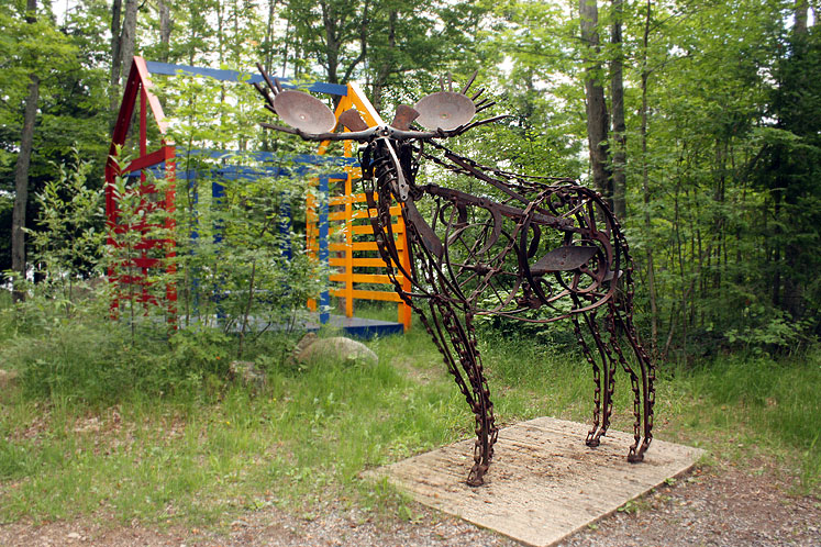 Canada Ontario Photos :: Haliburton :: Haliburton. Sculpture forest - a moose