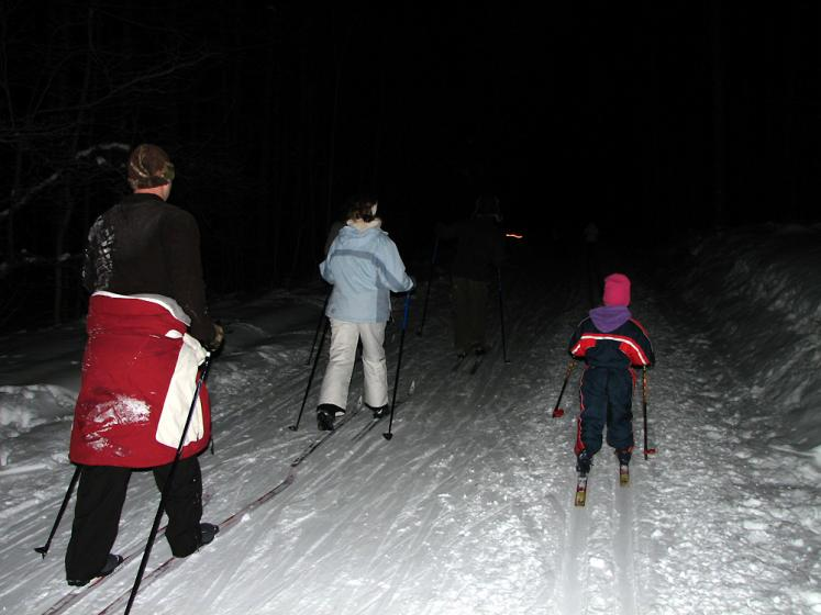 Canada Ontario Photos :: Horseshoe ski resort :: Ontario. Horseshoe resort - moonlight skiing