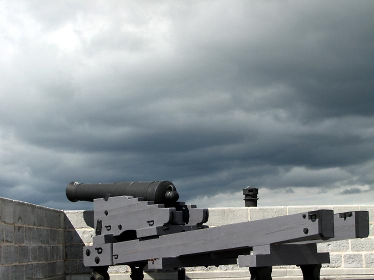 Canada Ontario Photos :: Kingston - Fort Henry :: Fort Henry - stormy sky