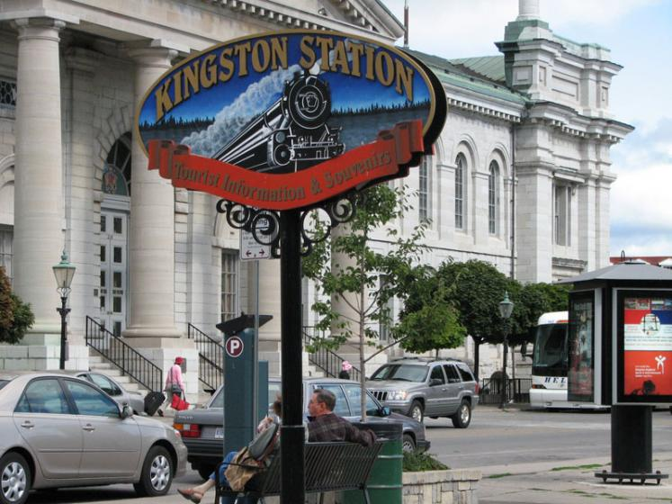 Canada Ontario Photos :: Kingston :: Kingston. Tourist Information Center Sign