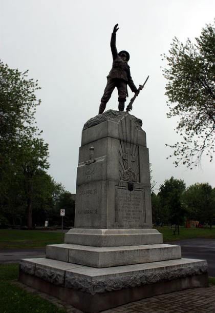 Canada Ontario Photos :: Kingston :: Kingston. A monument in the park