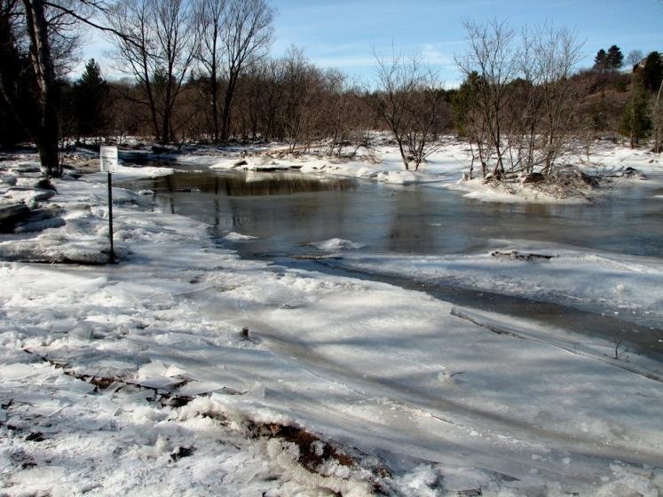 Canada Ontario Photos :: Winter :: Humber river near Kleinburg