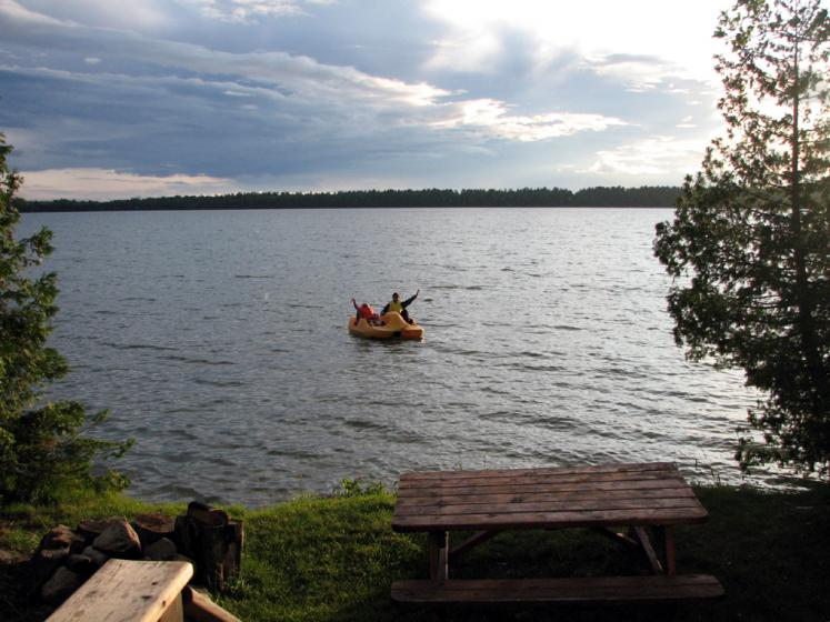 Canada Ontario Photos :: Manitoulin Island :: Manitoulin Island. On a paddle boat