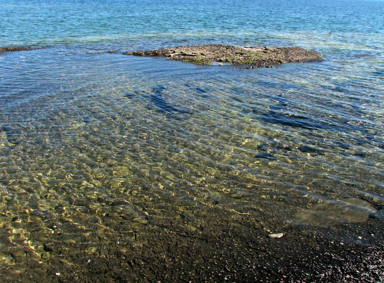 Canada Ontario Photos :: Manitoulin Island :: Manitoulin Island - clear water of Huron lake
