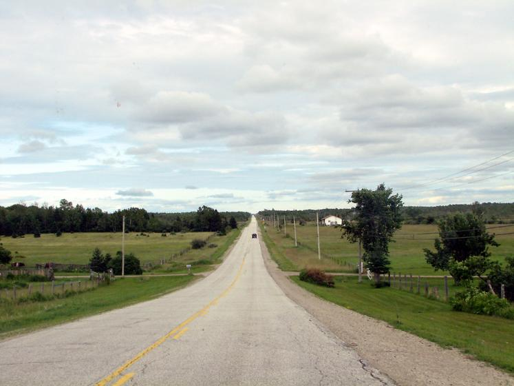 World Travel Photos :: Countryside :: Manitoulin Island. A long-long road