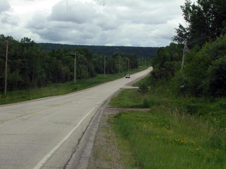 World Travel Photos :: Roads :: Manitoulin Island. A road