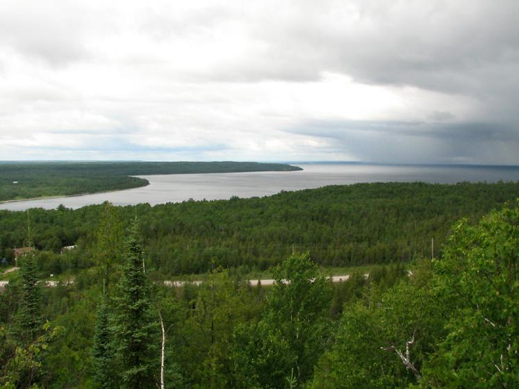 Canada Ontario Photos :: Nature :: Manioutlin Island. A view from above