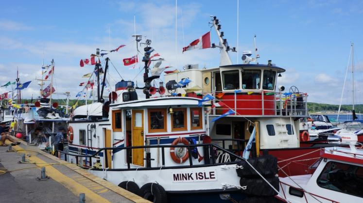 Canada Ontario Photos :: Midland :: Tugfest at Midland Waterfront