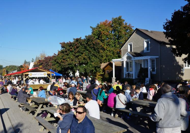 Canada Ontario Photos :: Misc :: Wellesley Apple Butter & Cheese Festival Entertainment