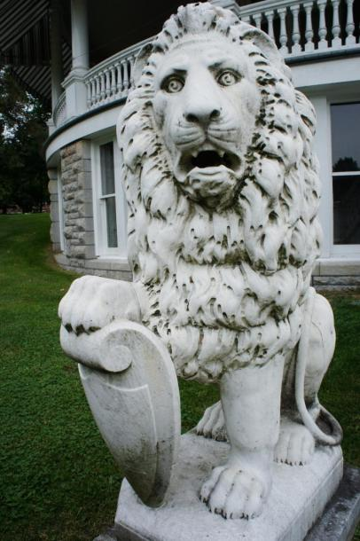 Canada Ontario Photos :: Misc :: Cement Lion 1898 Fulford Place Museum Brockville