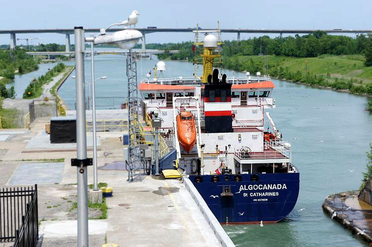 Canada Ontario Photos :: Misc :: Lake Freighter departing Lock #3 Welland Canal located St. Catherines