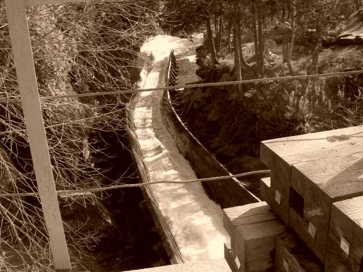 Canada Ontario Photos :: Landmarks :: Hawk Lake Log Chute