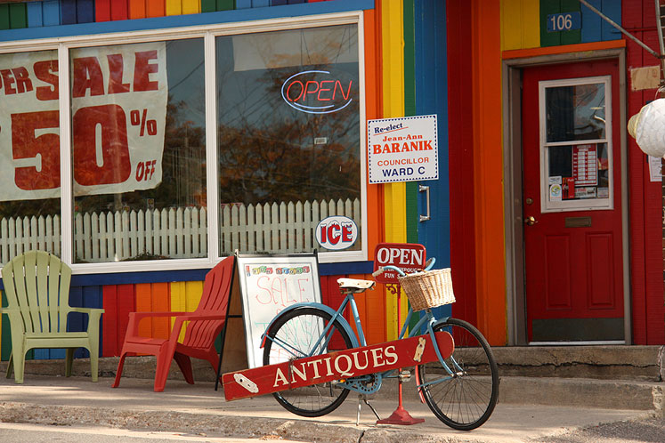 Canada Ontario Photos :: Torontonian :: Muskoka. A shop in Port Carling