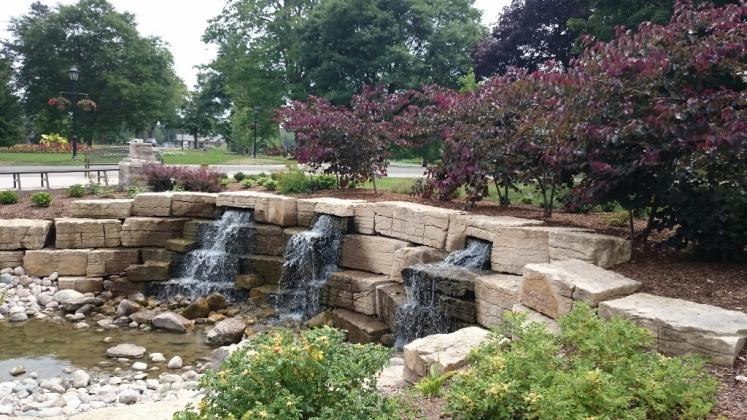 Canada Ontario Photos :: Misc :: Waterfall in Pinafore Park St. Thomas
