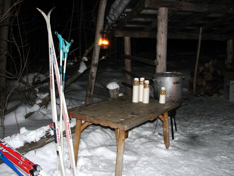 Canada Ontario Photos :: Winter :: Ontario. Horseshoe ski resort - apple cider