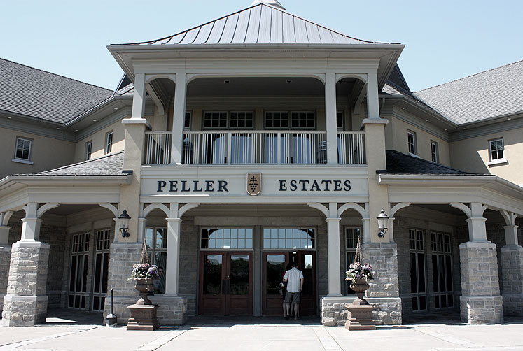 Canada Ontario Photos :: Niagara-on-the-Lake :: Niagara-on the-Lake. Peller Estates building
