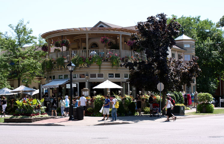 Canada Ontario Photos :: Niagara-on-the-Lake :: Niagara-on-the-Lake - a restaurant in city center