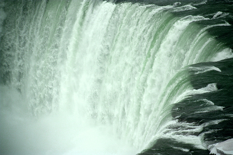 Canada Ontario Photos :: Niagara Falls :: Canadian Niagara Falls - a close-up