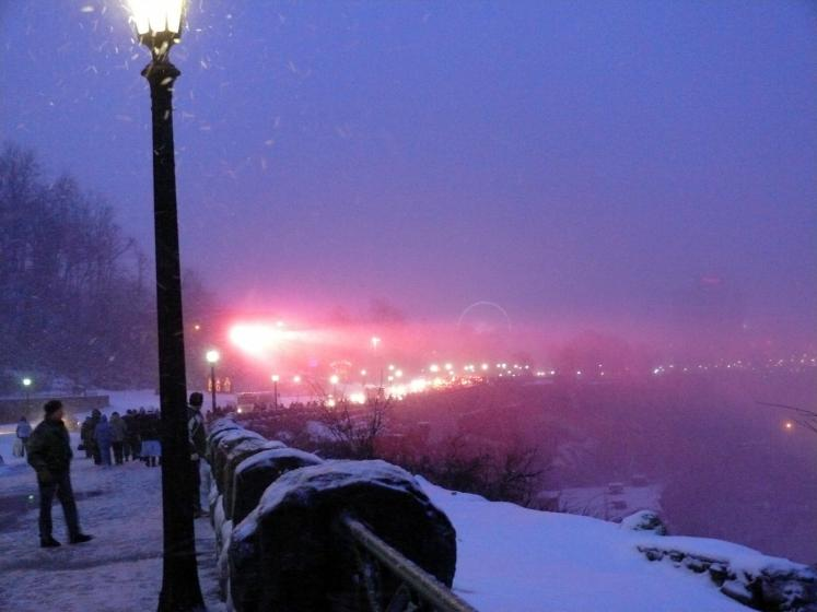 Canada Ontario Photos :: Niagara Falls :: A New Year´s blister at Niagara Falls