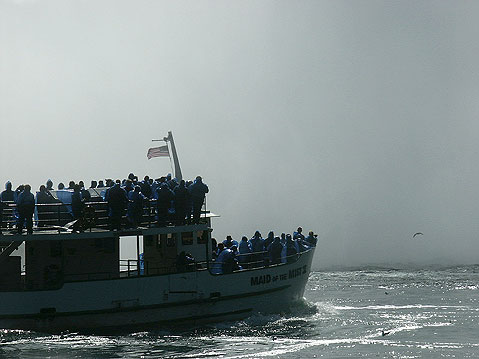 Canada Ontario Photos :: Maid of the Mist :: Niagara Falls.