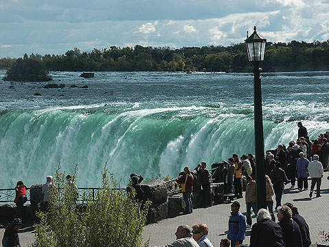 Canada Ontario Photos :: Fragment of city life :: Niagara Falls. Observation area