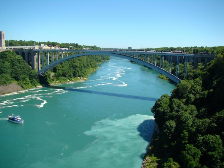 Canada Ontario Photos :: Niagara Falls :: Rainbow Bridge spans over Niagara River to United States