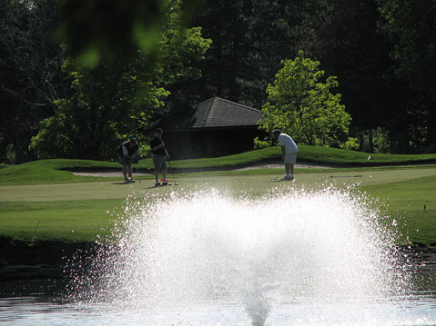 Canada Ontario Photos :: Niagara Falls :: Town of Niagara Falls. Golf field