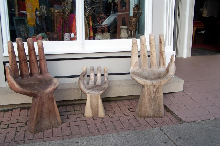 Canada Ontario Photos :: Валентина :: Niagara-on-the-Lake. Unusual armchairs