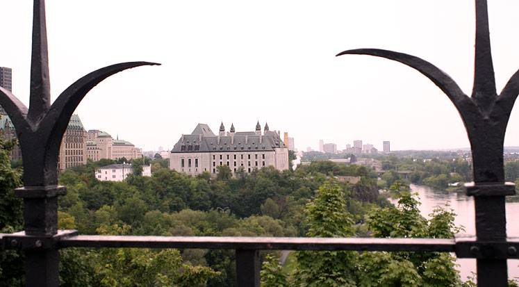 World Travel Photos :: Interesting perspectives :: Ottawa. Court building