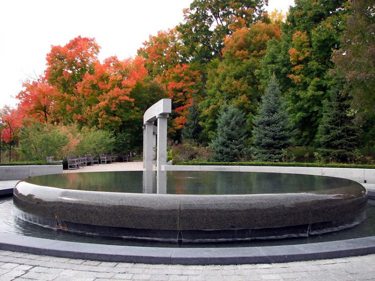 World Travel Photos :: Fall views :: Ottawa. Fountain in Rideau Hall park