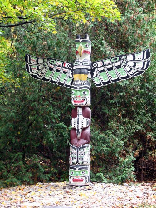 World Travel Photos :: Ancient world :: Ottawa. Totem Pole