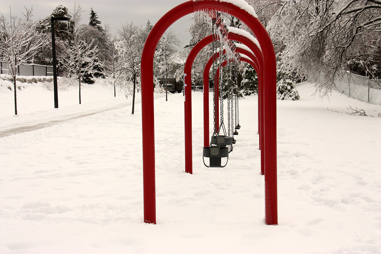 World Travel Photos :: Colors - Rouge :: Richmond Hill. A swing by the Richvale Community Centre