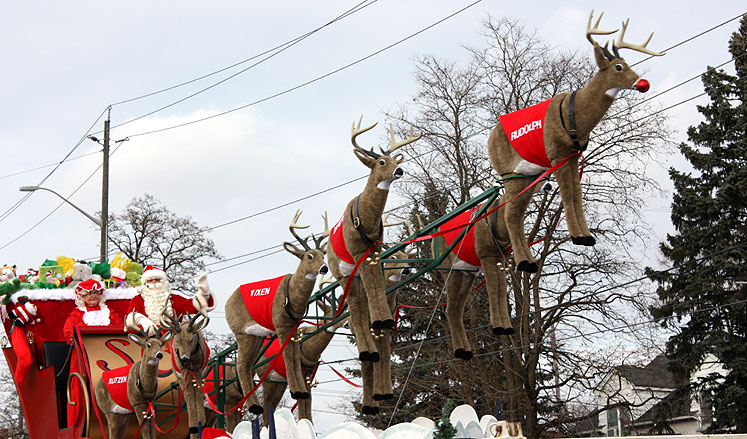 World Travel Photos :: Christmas :: Richmond Hill. Santa´s flying raindeers