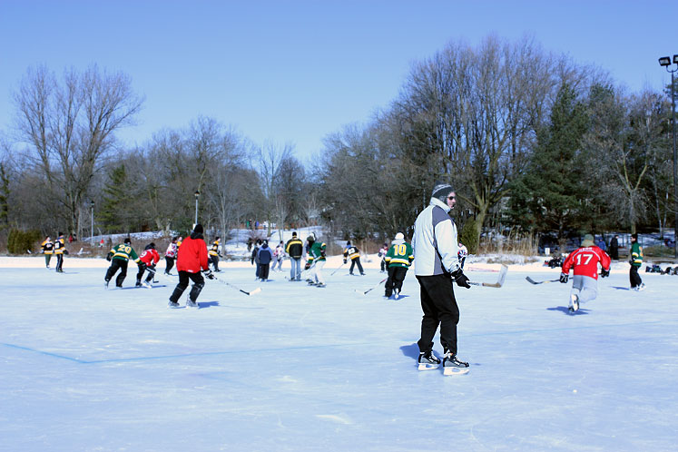 Canada Ontario Photos :: Richmond Hill :: Richmond Hill. Winter Carnival 2010 - Mill pond